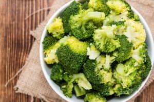 steamed-broccoli
